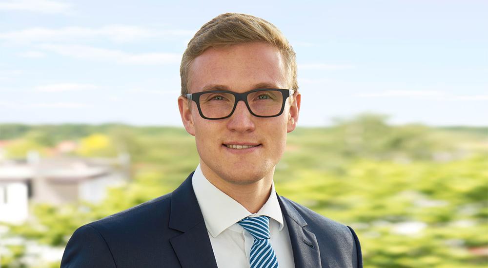 Aaron Fenske, Dipl.-Finanzwirt (Steuerakademie)
